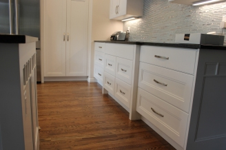 Sandy near pepperwood kitchen lower cabinets01
