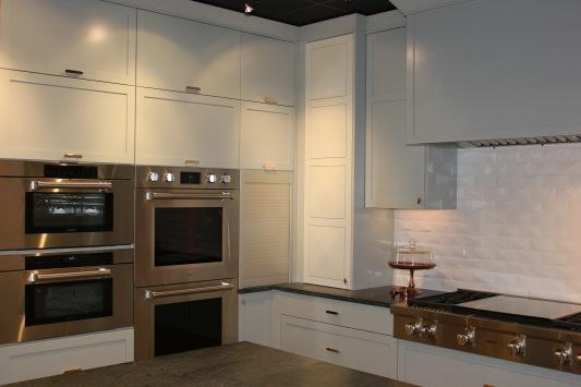 wolf-showroom-kitchen11