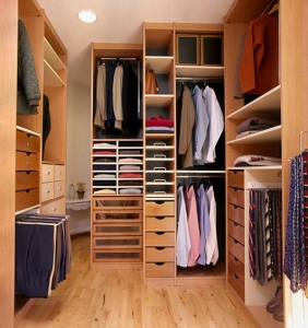 closet without clutter